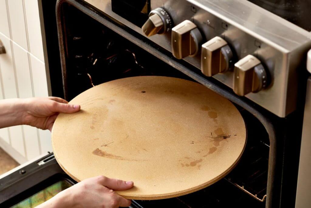 How Do You Clean A Pizza Stone - self cleaning method